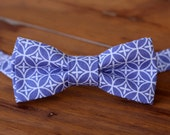 Mens Purple Bow Tie, purple white cotton geometric print bowtie, mens wedding bow tie, mens lavender bow tie, pretied bow tie, gift for him