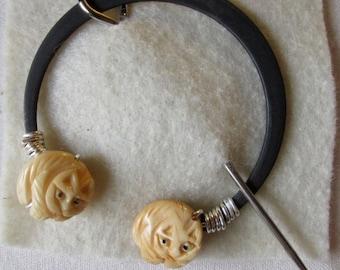 Penannular Brooch Shawl or Kilt Pin w/ carved bone cat finials