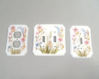 Vintage switch plates, outlet cover, light switch plate, double light switch plate, white plastic with flowers