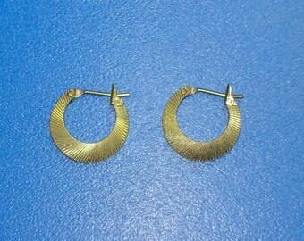 Vintage Textured Gold Hoop Earrings
