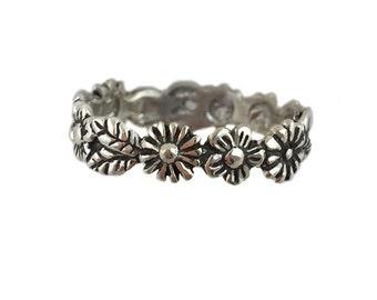 Flower Ring     silver gold wedding band alternative garland jewelry