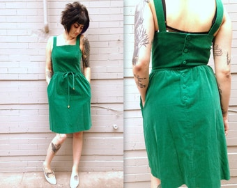Green Velvet Jumper Dress // XL // Wooden Hearts / Sash // Sleeveless / Velour // Bold Buttons // Women's Large // Women's Medium // Emerald