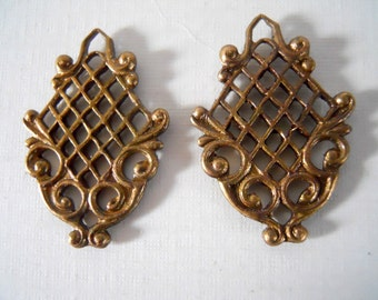 Unusual Flower Basket Victorian Brass Charm