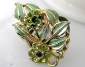 Mint Bed Ring - 1960's vintage floral and leaf 'gem' on adjustable ring - Free Shipping to USA