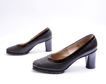 70s Platform Pumps  // Brown Two Tone Leather Pumps // Matte and Shiny Leather // 7.5 B