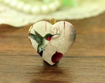 1pcs Vintage Hummingbird Heart Locket Necklace, Hummer Locket Charm Pendant, Antique Bronze Brass Locket - HLK909H