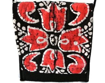 Handmade Cross Body Handbag , Fabric Crossbody Bag , Gift for Women/Mom/Her , Quilted Art Purse , Shoulder Purse , Messenger Bag