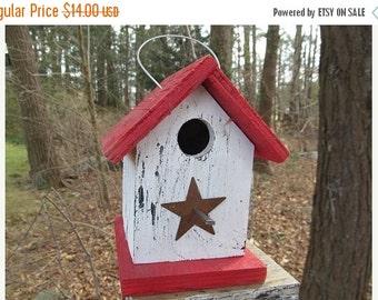 Chickadee Wren Songbird White and Red Primitive Birdhouse Metal Star