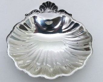 Vintage Silver Dish, Silver Clamshell Dish, Clamshell Dish, Soap Dish, Vintage Japan Metal Dish, Home Decor,  silverplate, Candy Dish