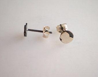 Tiny Stud Earrings 7mm