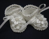 Christening Baby Shoes, Christening Crochet Booties White Flowers and Pearls Newborn Girl Reborn