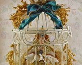 Queen Elizabeth l- Diorama in a Cage- Tudor Doll Miniature- Elegant Decor- Conversation Piece- Queens of England