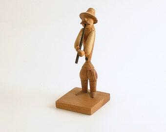 Vintage Wood Figurine Man Horn Musician Poland Folk Art B Borowik S Byliniak