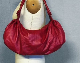 RED LEATHER shoulder bag, soft lambskin leather, adjustable straps, small duffle