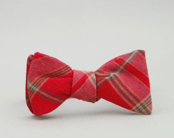 red & green plaid bow tie for boys //  self tie bow tie //  red toddler bow tie // kids holiday bow tie