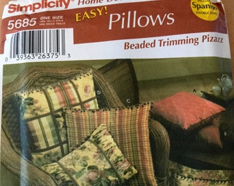 Simplicity 5685 Home Decorating Easy Pillows uncut