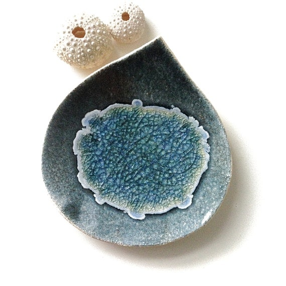 Ceramic dish Deep blue stoneware pottery recycled glass sculpture Soap dish Caribbean leaf Catch all Home decor Jewelry holder Eco gift