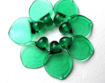 Emerald Green DANCING LEAF BEADS, Lampwork Glass Leaves, flat leaf bead, glass leaf, autumn leaves, lampwork glass bead, sra lampwork