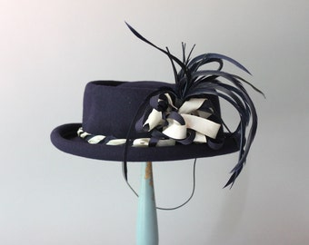 1940s Hat / Vintage 40s Navy Feathered Plume Hat / 1940s Tilt Hat