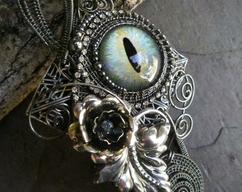 Gothic Steampunk Pin Brooch Pendant with Flowers and Leaves