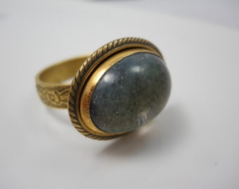 Mood Ring Vintage Glass Mood Cab Set in Solid Brass Setting on Adjustable Brass Band  1970's  Color Changing Funky Retro Jewelry