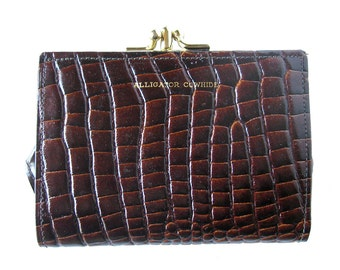 Vintage Brown Cowhide Leather Wallet with an Alligator Texture - Wallet with Change Purse / Unused Condition