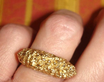 vintage TRIFARI knobby gold sea creature ring 6 with sizer