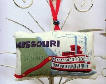 Route 66 Missouri Ornament - Sachet / Mississippi Riverboat, St. Louis, Joplin / Green - Red - White / Fragrant Sachet / GIft Under 15