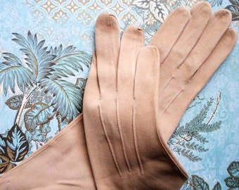 Glamour vintage 60s beige genuine suede opera gloves. Made by Kislav. Size 7.