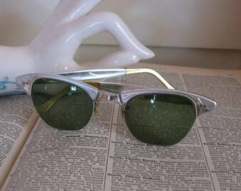 Vintage Silver Tone Framed Prescription Sunglasses