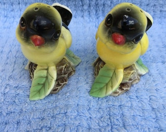 Vintage Yellow Goldfinch Birds Salt and Pepper Shakers