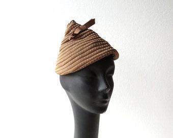 Vintage 1930s Hat / Pixie Hat / Tilt Hat / Beehive Hat