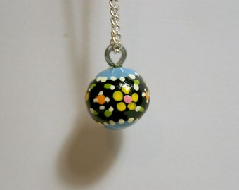 blue laced daisies necklace