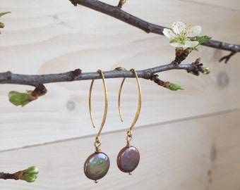 Mauve/Taupe Coin Pearl Earrings