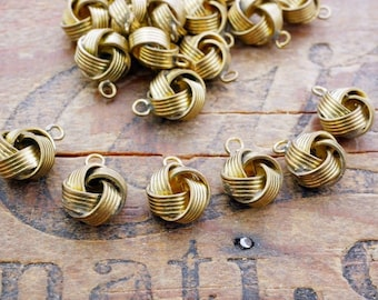 Brass Charm Love Knot Endless Knot Vintage Brass Knot Charm Drop Bead With Patina (6) A3C188