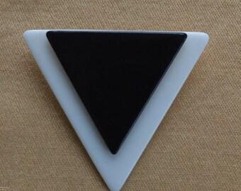 On sale Pretty Vintage Black, White Triangle, Geometric Brooch, Pin (K4)