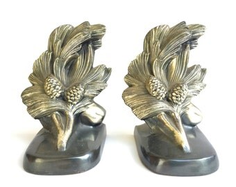 Vintage Pinecone Brass Bookend Set ~ Woodland Book ends~ Country decor