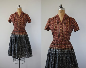 1950s vintage dress / 50s day dress / 50s cotton shirtwaist dress / 50s boarder print dress / 50s novelty print dress / 28in medium large
