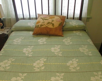 Vintage Bates Bedspread Green and Butter Yellow with White Flowers Double or Full Size