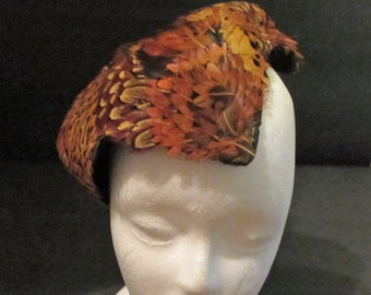 l Skull Hugging Pheasant Feather Hat Vintage 50's