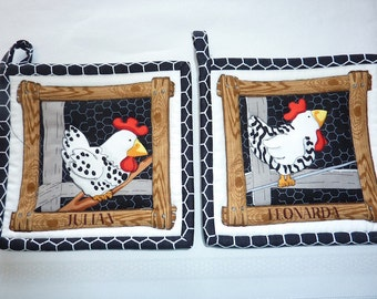 Chicken House Pot Holder Pair