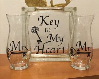 "Unity Sand Wedding Ceremony Containers - Glass Block with ""Key to My Heart"" - 2 Side Vases with Mr and Mrs keys"