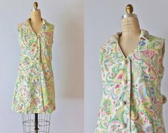 Vintage 1960s Dress / Shift Dress / 60s Dress / Sleeveless / Cotton Matelasse