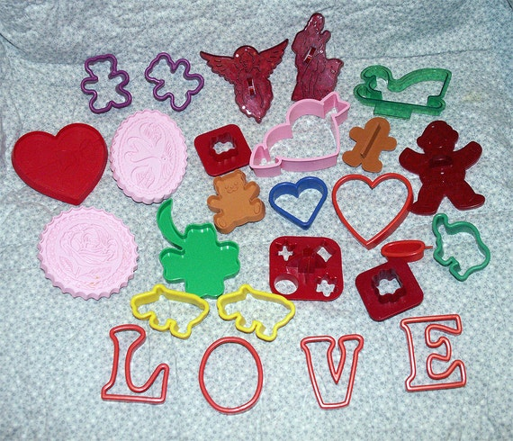 Cookie Cutters Lot Christmas Valentine's Day St. Patrick's Day Holiday Vintage 26 pcs