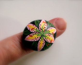 Fashion jewelry gift ideas for her under 30-pink daylily botanical adjustable ring-nana grandmother gifts-painted rocks-ooak chunky jewelry