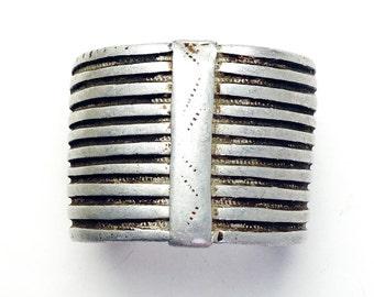 Antique Vintage handmade Oromo silver metal cuff bracelet from Ethiopia JE03