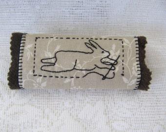 Primitive Rabbit Wool & Stitchery Needlekeep