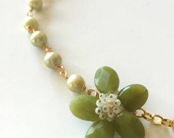 Green Jasper and Green Pearl Flower Necklace
