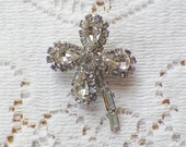 Vintage Four Leaf Clover Clear Rhinestone Brooch / Pin / Broach, Sparkling Rhinestones, Luck, Good Luck, Silver Tone Metal, Bride / Bridal