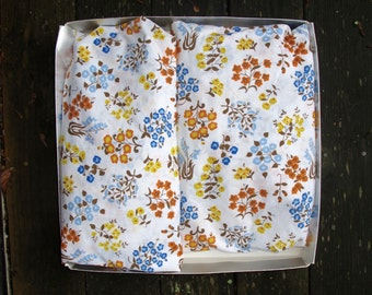 Vintage Floral Sheets 70s Sears Percale Twin Sheets Fitted Set of Two Like NEW
